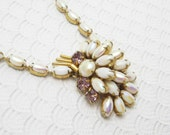 Vintage Rhinestone Necklace Pendant White Jewelry N6121