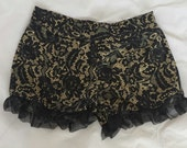 Ruffled Burlesque Shorts in Vintage Style Lace Print