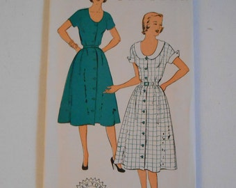 Vintage 50s Misses Scoop Neck Short Sleeve Shirtwaist Dress Sewing Pattern New York 1249 Size 14 Bust 32 UNCUT