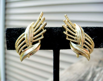 Vintage Gold Coro Leaf Design Earrings Clip On