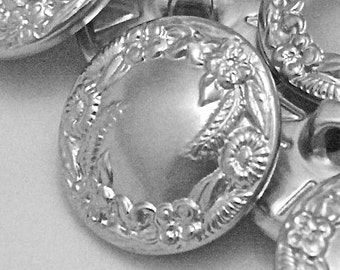 Vintage Metal Buttons 19mm - 3/4 inch Embossed Silver Tone Shank Buttons - 6 VTG NOS Floral Wreath Holiday Garland Designer Buttons MT16