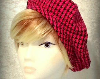 Hot Pink and Black Vintage-style Houndstooth Check Beret Unlined