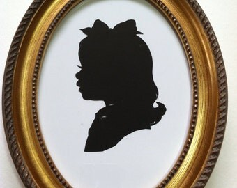 5x7 inch Gold Oval Wood Frame for Silhouettes