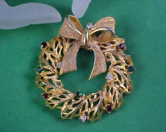 Free Ship ~ TANCER II - BOOK Piece Mid Century Rhinestone Swivel Bow Gold Plate Christmas Wreath Brooch/Pin
