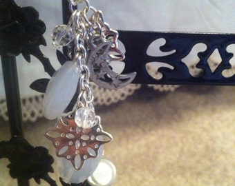 Roses Under A Snow Moon Necklace