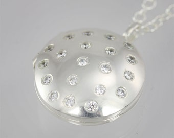 "Locket- Galaxy, Med. (Cubic Zirconia) (24"")"