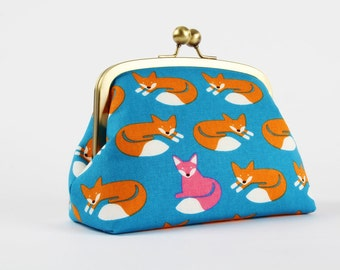 Metal frame clutch bag - Travel purse - Nordic fox on blue