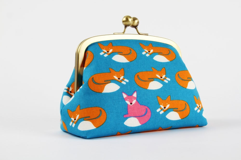 Metal Frame Clutch Bag Travel Purse Nordic Fox On Blue