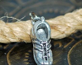 tiny metal shoe, vintage pendant or charm, cool vintage, bijouterie, gorgeous, looks great, unique, UA