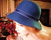 100 Per Cent Wool Hat Vintage  Royal Blue Wide Brim Hat Velour  Bow Classy Medium brand  Liz Claiborne