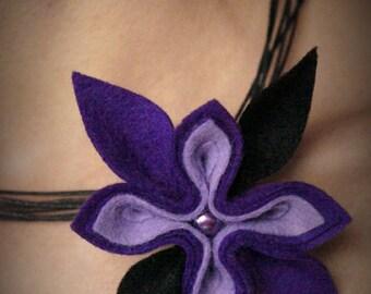 Felt necklace modern romantic flowers jewelry wedding purpure
