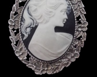 CAM-03B White Silhouette on Black Cameo Brooch