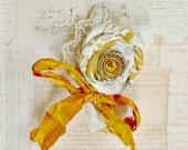 November Citrine Brooch Pin Corsage Birthstone Womens Gold Yellow Topaz Vintage Doily November