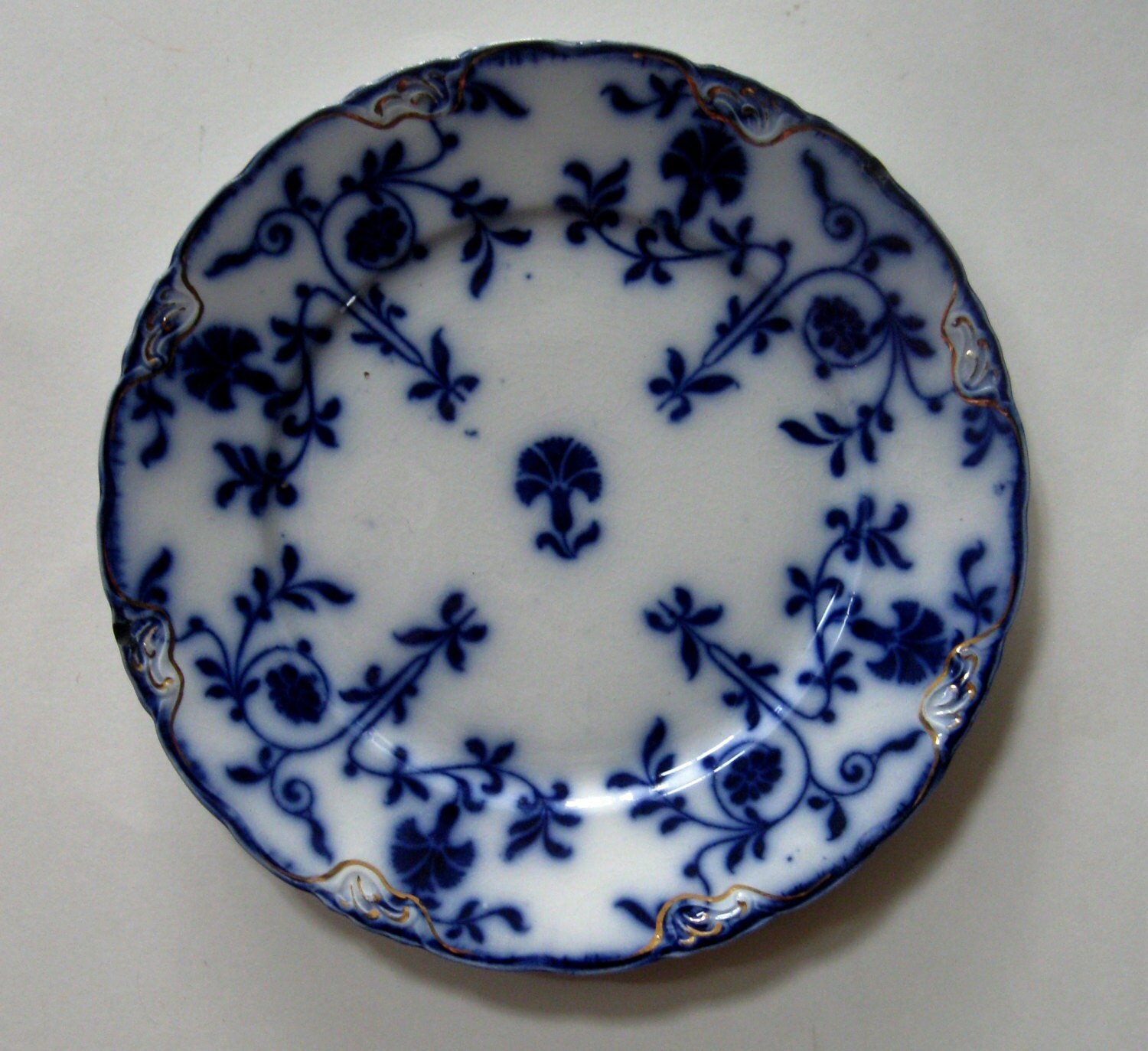 Vintage flow blue plate colonial j and g meakin carnations