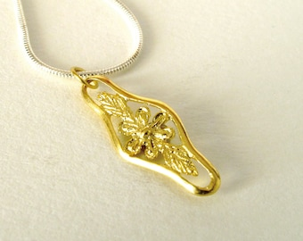 Flower Necklace 18KT Gold Flower Pendant Floral Flower Jewelry