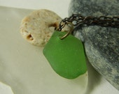 Kelly Green Seaglass Necklace with Beach Stone