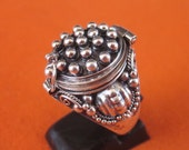 Balinese Sterling Silver secret box ring  / silver 925 /  Handmade Poison Ring  / size : 7.5 ready to ship / request for size