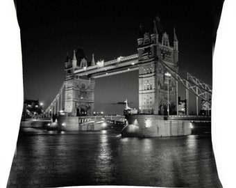 London Bridge decorative picture cushion /pillow