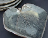 a Set of 4 Small Morning Glory Leaf Plates