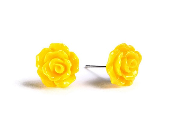 Petite yellow rose rosebud hypoallergenic stud earrings (723) - Flat rate shipping