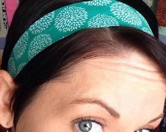 White Flower Mums on a Green Stay Put Headband