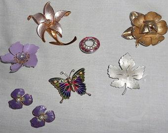 Lot of  8 Vintage  Brooches Pins  Enamel  Rhinestone  Mid Century JEWELRY  Repurpose Upcycle Crafts Destash