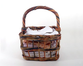 Vintage Wicker Basket / Reed straw basket Painted wicker / Rustic home decor cottage style farmhouse style  / 9x10x14