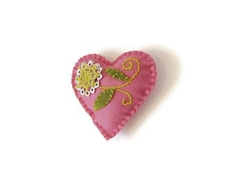 Embroidered heart ornament pink felt green white doilies flower