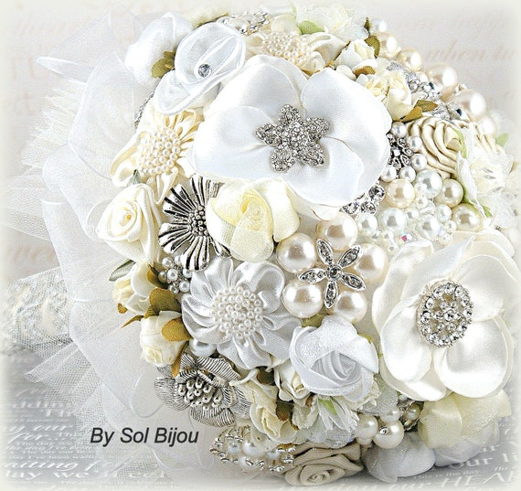 Brooch Bouquet, White, Cream,Ivory,Silver,Elegant Wedding,Vintage Style,Fabric Bouquet, Bridal, Pearls, Crystals, Lace Bouquet, Gatsby Style