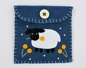 Felt coin purse,handmade felt Sheep purse,sheep gift bag,blue felt purse with sheep applique and embroidery,small sheep purse.