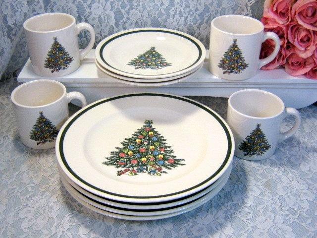 vintage royal china usa christmas tree dinnerware set plates. Black Bedroom Furniture Sets. Home Design Ideas