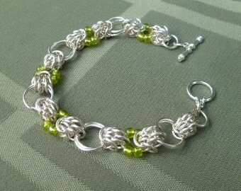Chainmaille Bracelet, Beaded Chainmaille Bracelet, Lime Green Beaded chainmaille Bracelet