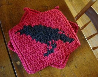 Raven Potholders, Red Potholders, Crochet Potholders, Gift for Gothic, Horror Story, Horror Movie Fans, Dark Gift for Him, Her MADE TO ORDER