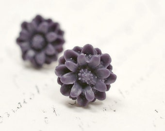 Dark Purple Flower Earrings, Eggplant Purple Dahlia Blossoms, Feminine and Romantic Posts, Botanical Flower Jewelry, Stud Earrings