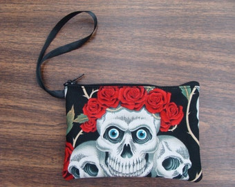 US Handmade Electronic Device Clutch Purse , Pouch , Wristband With Three Skulls Crowned Skulls Red Roses Pattern Makeup Bag , New