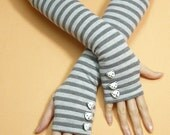 Grey Striped fingerless Gloves with Cute Bear Buttons, Cotton Armwarmers, Soft warm Sleeves