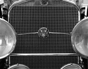 B&W vintage car photo 6