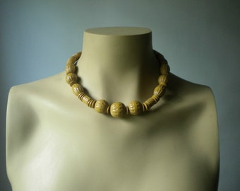 Vintage 1970s Beaded Necklace