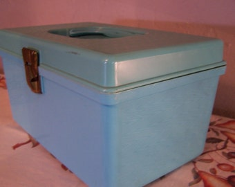Vintage Turquoise Sewing Box, Sewing Caddy, Plastic Sewing Box, Wil Hold, Wilson Mfg, Organizing, Crafts, Sewing Notions