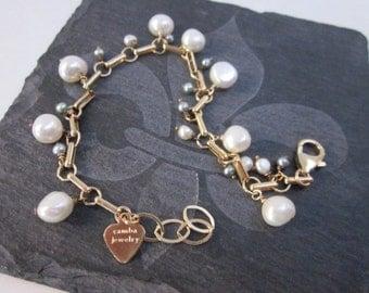 Gold & White Bead Bracelet -- White Pearl Charm Bracelet -- Gold and Pearl Charm Bracelet -Fresh Water Pearl Bracelet -Pearl Dangle Bracelet