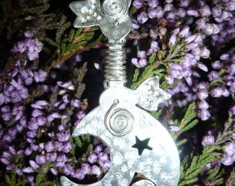 Silver Moon Sickle / pendant, SquareHare, Vegan, UK, Free Shipping, Druid, jewelery pagan