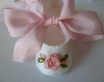 Baby Girl Shoes .  SILK Christening Shoes . Infant Ballet Slippers . Pink and White Silk Roses
