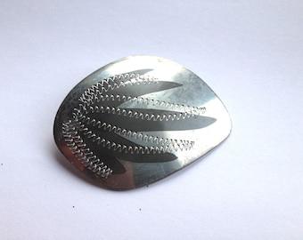 Vintage punched metal brooch, vintage brooch, vintage pin, silver metal brooch, silver metal pin, 1970s brooch, 1970s pin, simple brooch