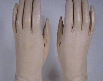 7-Vintage Women's Light Tan Kid Leather Church/Dress Gloves - 9 inches long(224g)