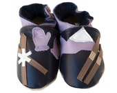 Ski Patrol (baby Shoes in all-natural leather, blackberry)