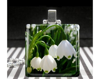 Lily of the Valley Jewelry May Birth Month Flower Necklace Represents Sweetness and Humility Thoughtful Gifts for Girls Women Friends Sister