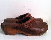 golden honey brown leather clogs - size 7