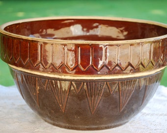 Large Brown Uhl Pottery Pickett Fence Stoneware Bowl, Excellent Condition, Vintage Kitchen.