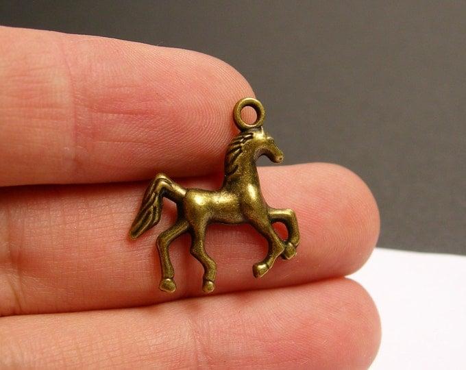 12 Horse Charms - 12 pcs antique brass bronze Horse charms -  BAZ91