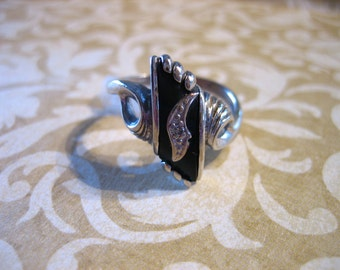 Antique Art Deco10K White Gold Onyx and Diamond Ring